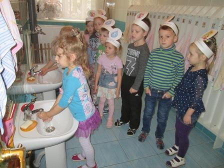 Правильно ли малыши расходуют воду?