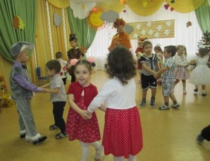 Парный танец малышей