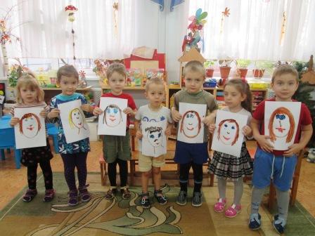 Малыши рисуют мам (средняя группа)